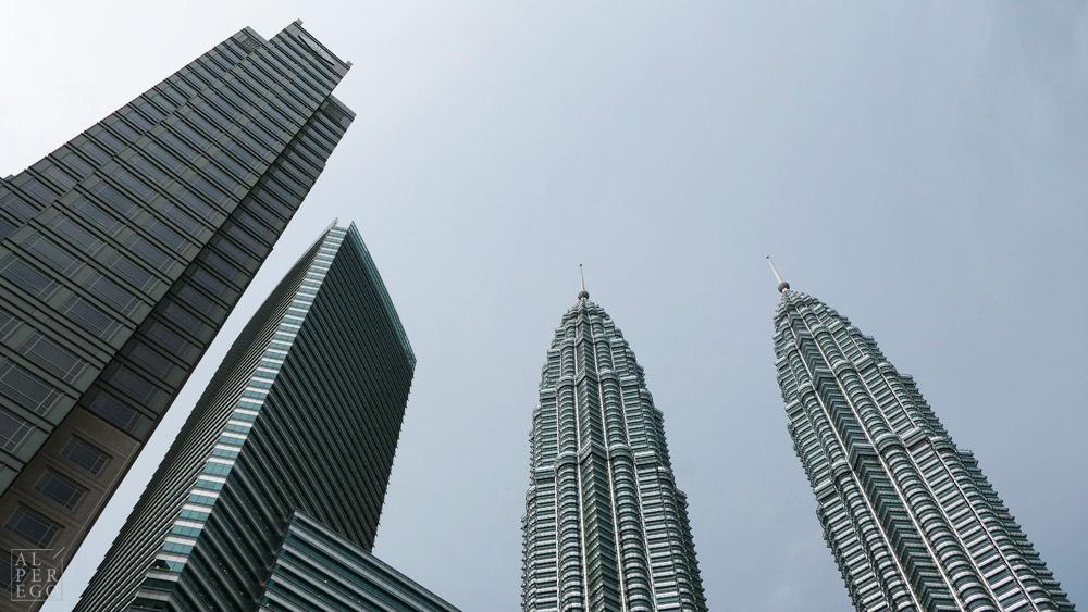 petronas-towers-01.jpg