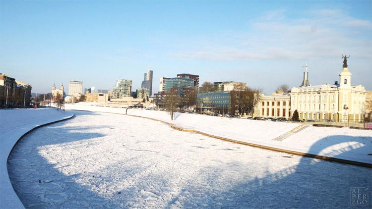 baltic-circle-0401-neris-river.jpg