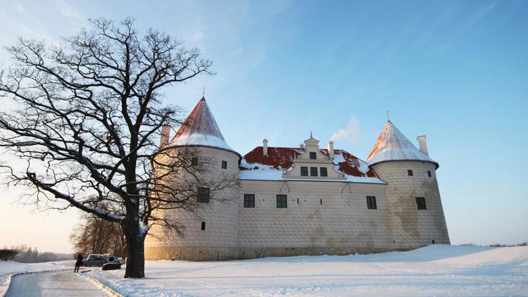 baltic-circle-0503-bauska-castle.jpg