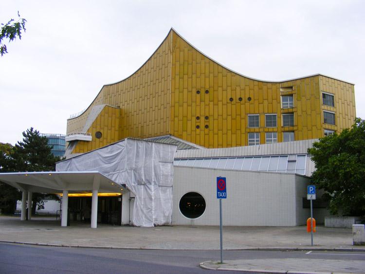 06 Philharmonic Hall by Hans Scharoun.JPG