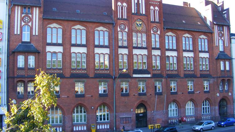 22 old building berlin.jpg