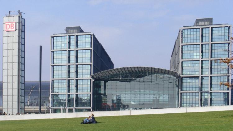 65 Berlin Hauptbahnhof  alperego.jpg