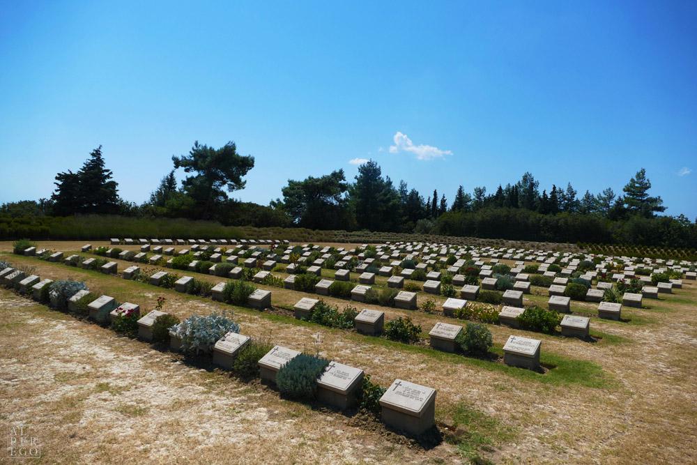 lone-pine-cemetery-02.jpg