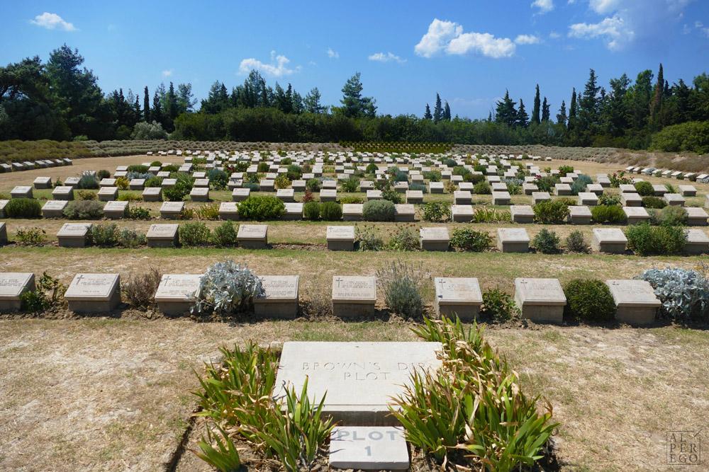 lone-pine-cemetery-06.jpg