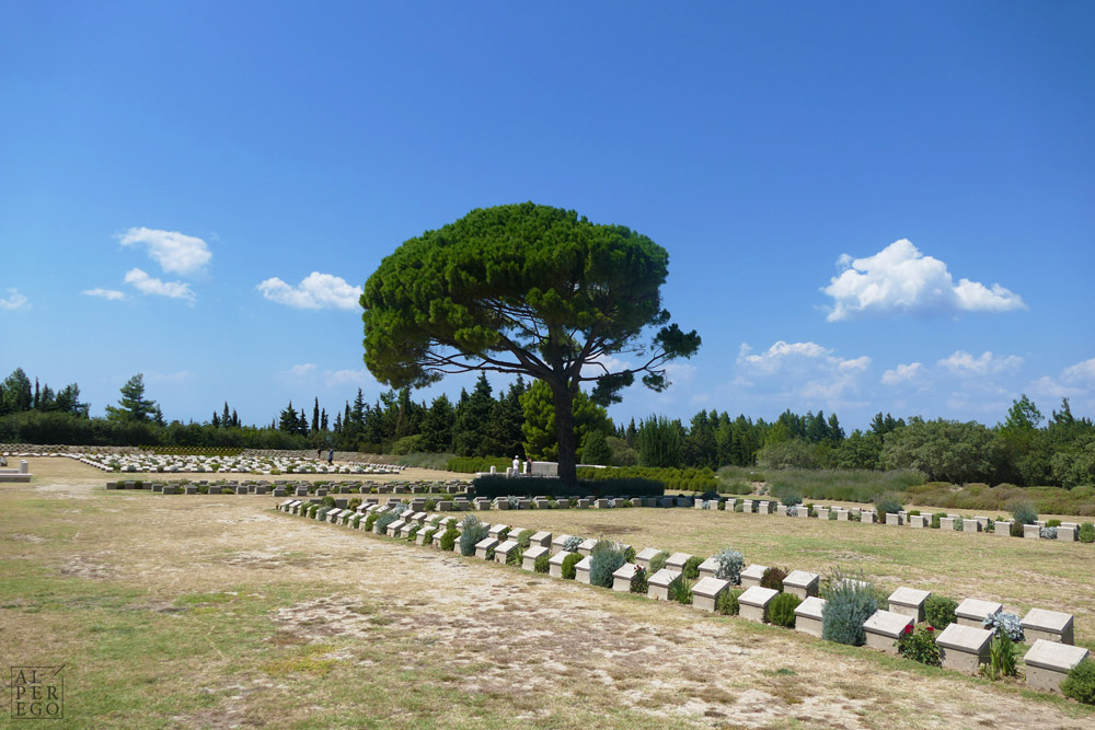 lone-pine-cemetery-14.jpg