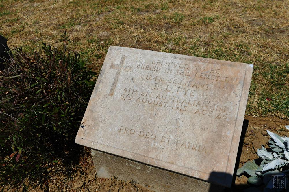 lone-pine-cemetery-18.jpg