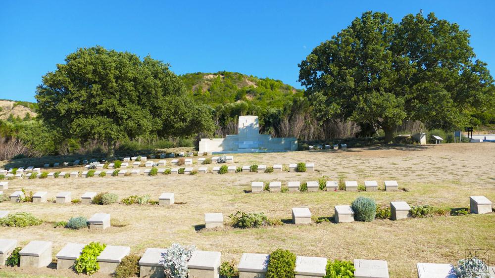 ariburnu-cemetery-05.jpg