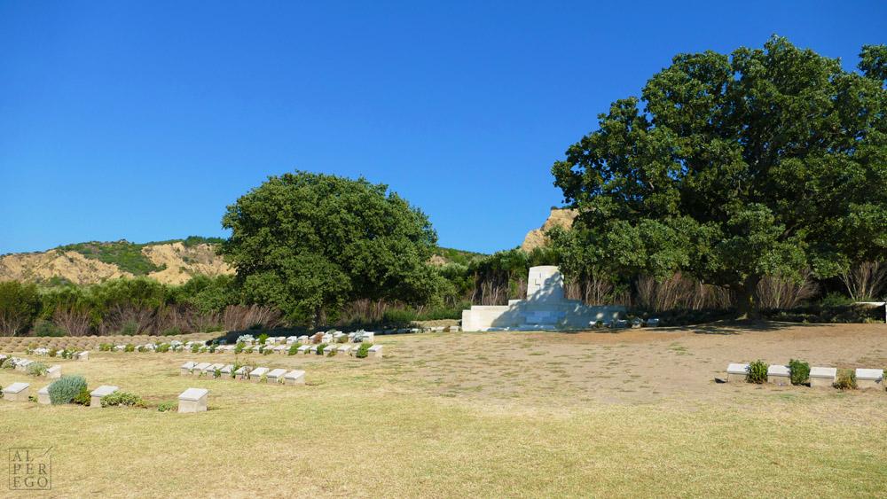 ariburnu-cemetery-07.jpg