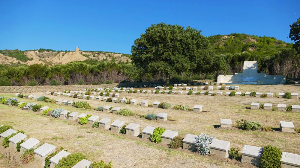 ariburnu-cemetery-08.JPG