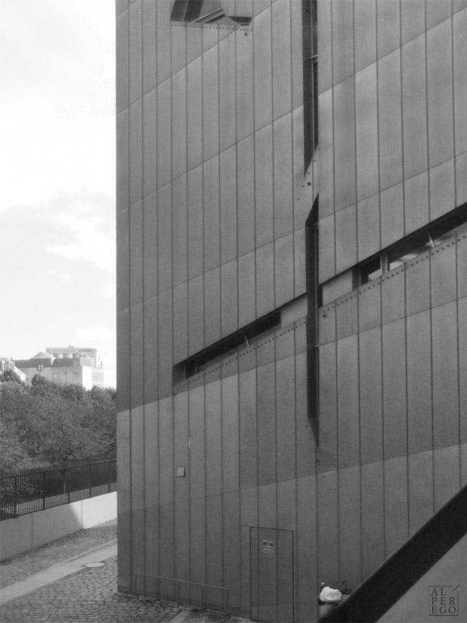 jewish-museum-berlin-16.jpg