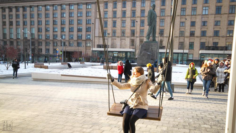 mayakovskaya-metro-station-15-triump-square-swings.jpg