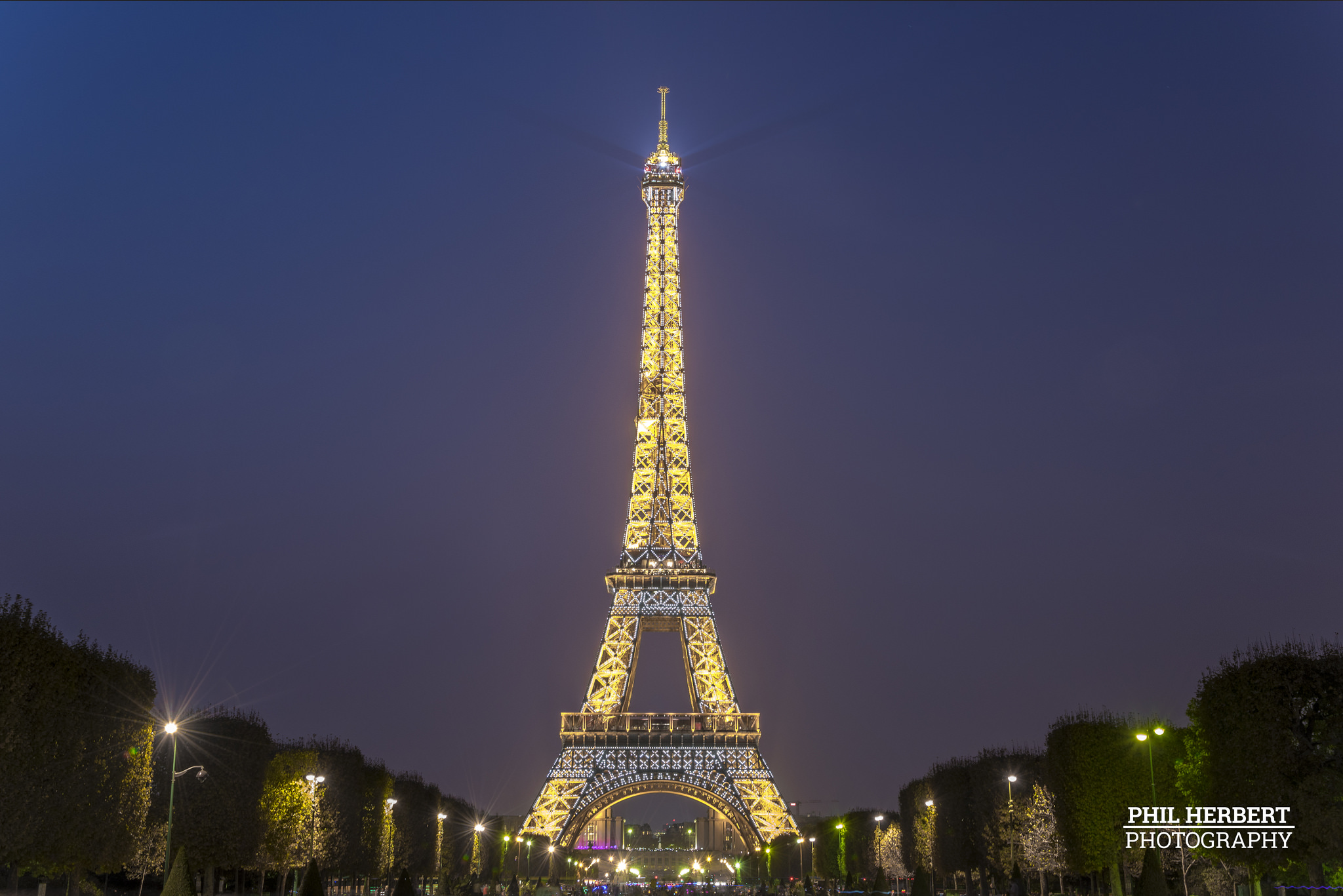 Phil_Herbert_Paris_Eifel_Tower.jpg