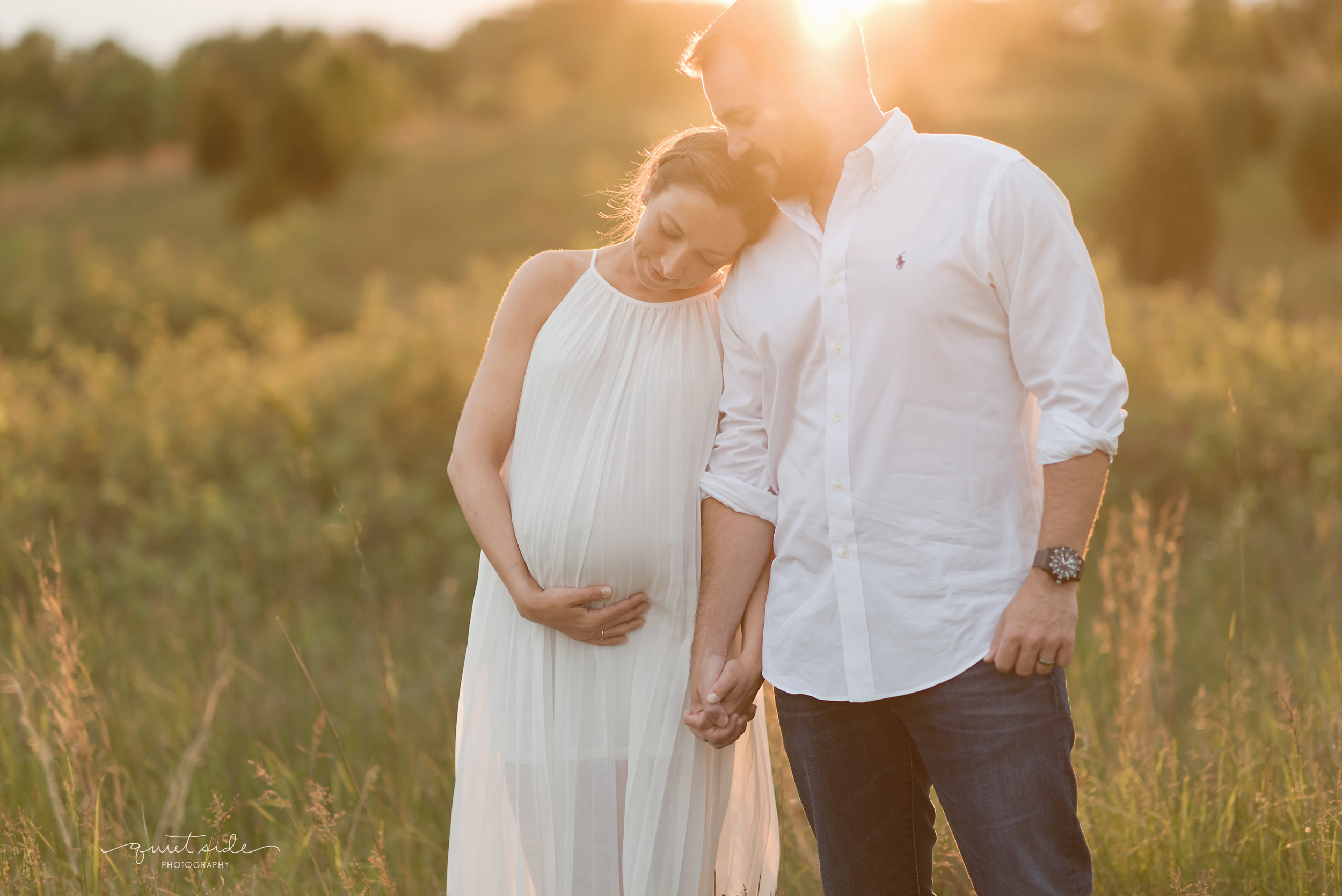 NorthernVirginia-Maternity-Sunset-Outdoor-GoldenHour-QuietSidePhotography-170514_QuietSidePhotography_BlazicMaternity_May2017_5293.jpg