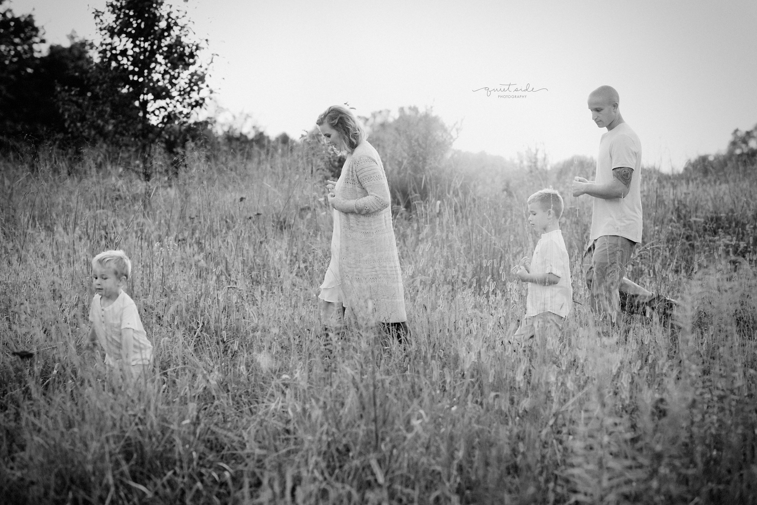 quietsidephotography-Family-Photographer-Loudoun,County,Virginia-NorthernVA-Motherandson-Motherhood-FamilyPhotographer-Sunset-Field-goldenhour-Washington,DC-Gessner.jpg