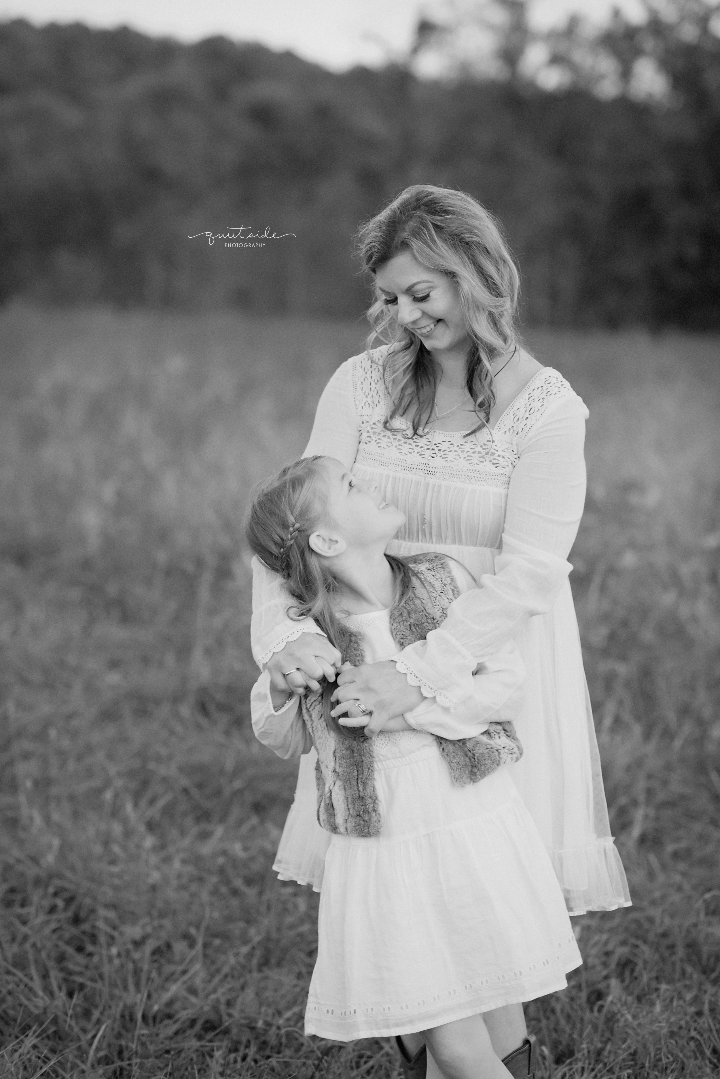 QuietSidePhotography-Purcellville, VA- Family-Photographer-Motherhood-Familyof5-SilverbrookFarm-GoldenHour-Sunset-Family-MomandDaughter-blackandwhite-Loudoun County-Virginia-MIlesFamily.jpg