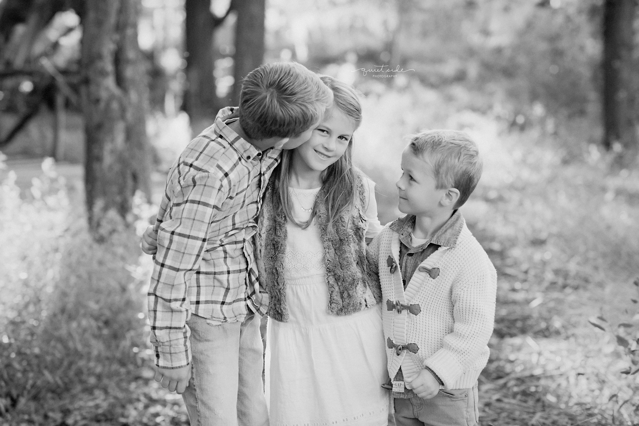 QuietSidePhotography-Purcellville, VA- Family-Photographer-Motherhood-Familyof5-SilverbrookFarm-GoldenHour-Sunset-Family-siblings-brothersandsisters-blackandwhite-Loudoun County-Virginia-MIlesFamily.jpg