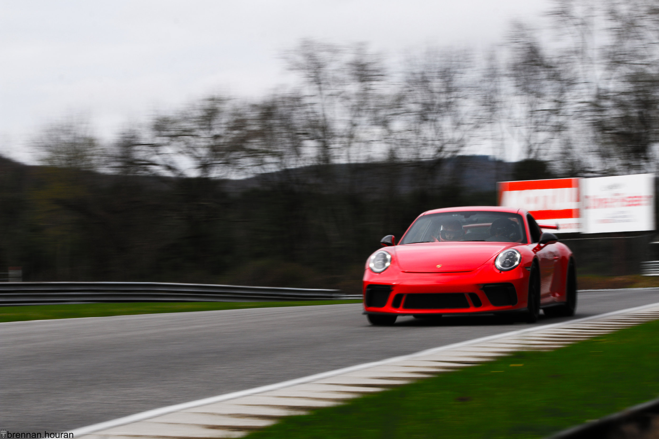 Above:    A Porsche 991.2 GT3 enjoys it's first track day of the year.