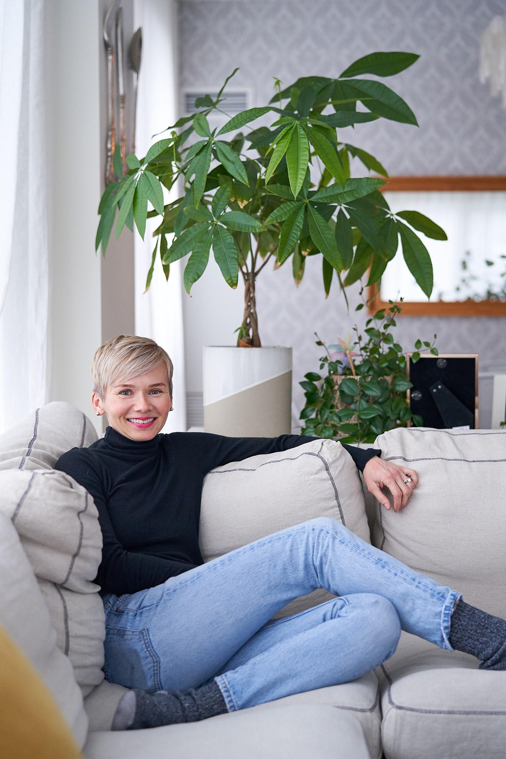 EWphoto_sofa.jpg