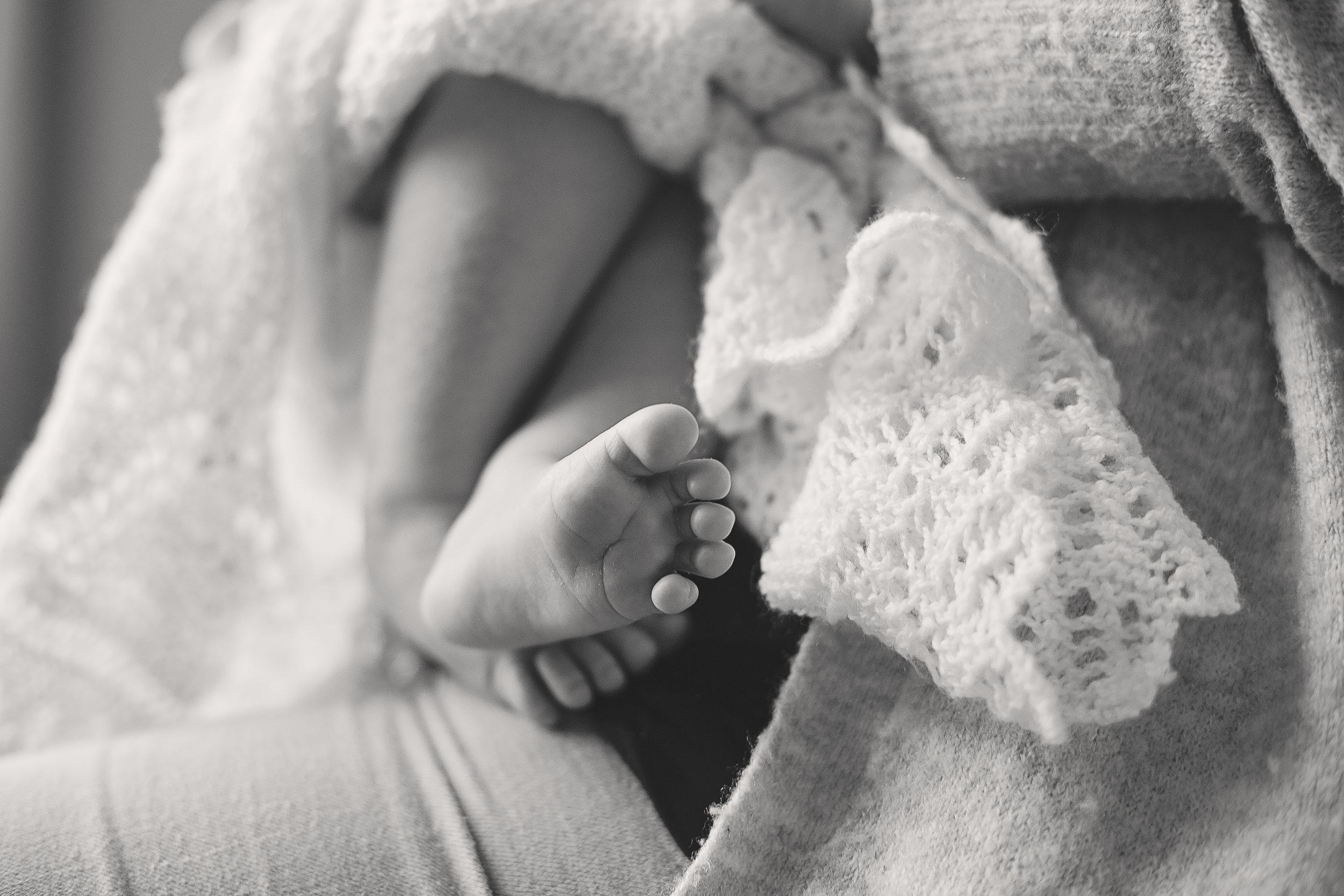 baby feet, newborn photographer aberdeen