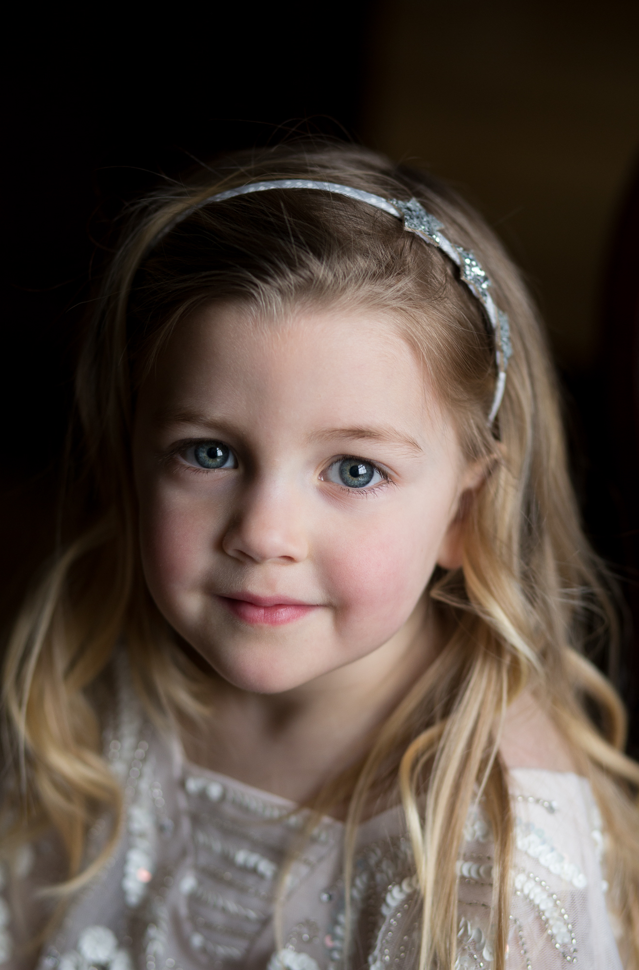 Logie country house, wedding photographer aberdeen, wedding photography Aberdeenshire, Scottish wedding photographer, flower girl,
