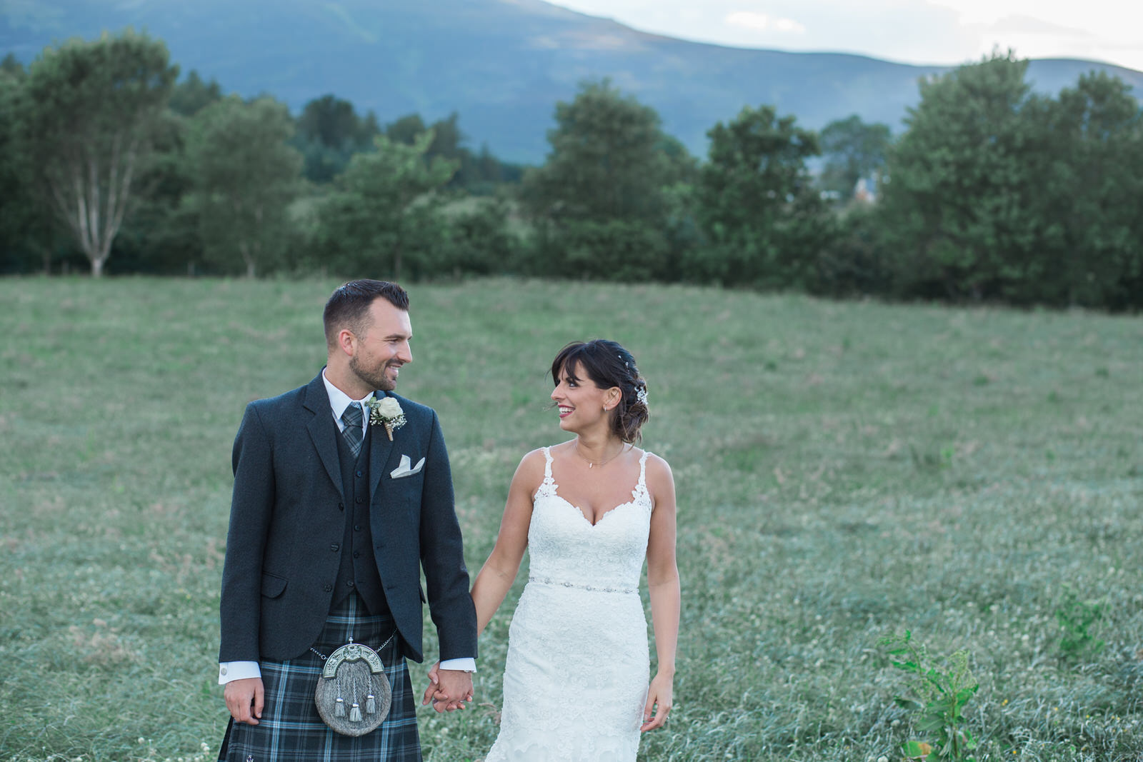 Glasgow wedding photographer, Edinburgh wedding photographer, aberdeen wedding photography, aberdeen wedding photographer, outdoor wedding Scotland, Scottish outdoor wedding, Vivienne Elizabeth photography