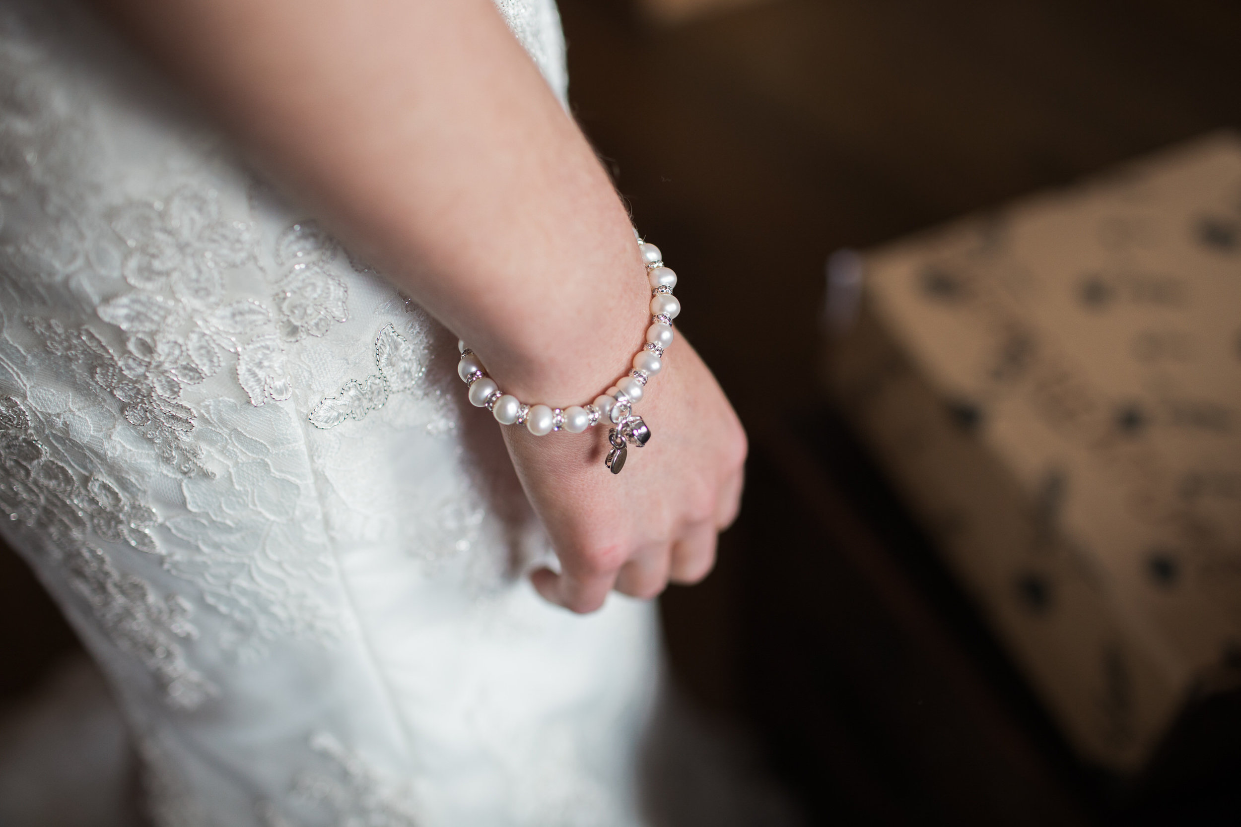 redrocks aberdeen, bridal jewellery aberdeen, logie country house, aberdeen bride, grampian weddings, Scottish wedding venue, Scottish wedding photographer, wedding photographer Scotland, Aberdeenshire wedding photographer, wedding photography aberdeen, grampian wedding photographer
