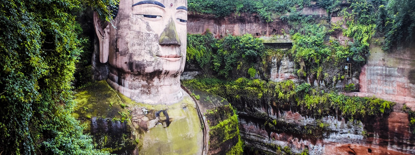 lists-the-worlds-most-awesome-giant-buddhas.jpg