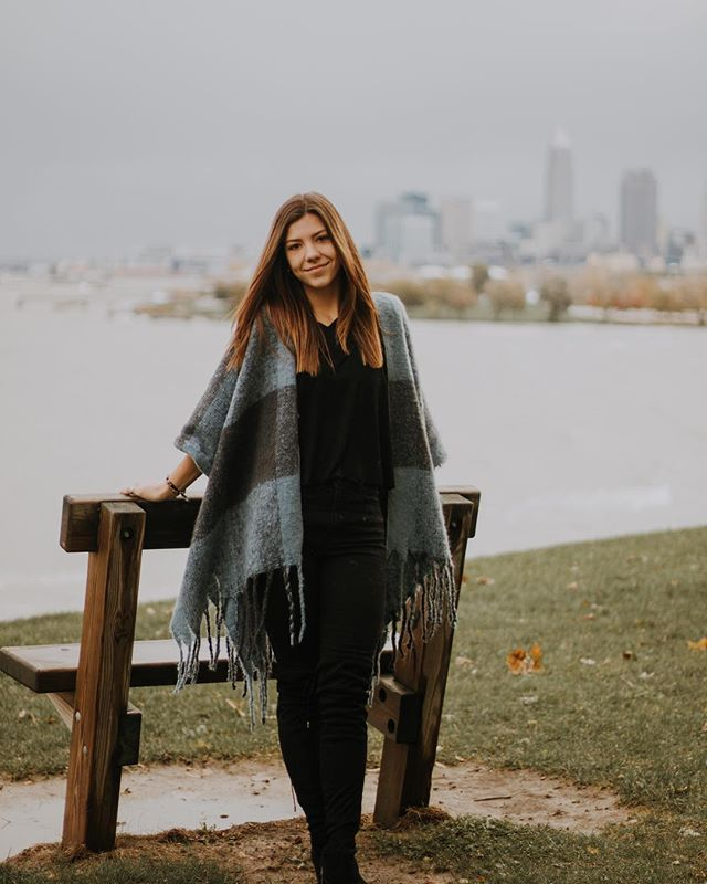 Foggy days by the shore. This girl in this city, talk about flawless despite the chill in the air and the rainy weather. This was followed by coffee and sweats (for both of us), the mvp of Saturday attire . . . . #jessicalaurenmedia #edgewaterpark #clevelandohio #cle #seniorpictures #ohiophotographer #seniorphotos #clevelandphotographer #happyfall