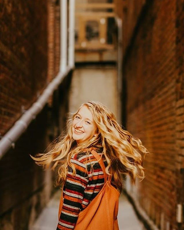 I always have the most fun with this giggly, joyful gal. Grace's senior session on Saturday was a breath of fresh air. . . . . #jessicasnyder #jessicasnyderphotographyanddesign #photographer #seniorphotographer #seniorseason #seniorportrait #wooster #woosterohio #ohioexplored #thegoodtherealthebeautiful