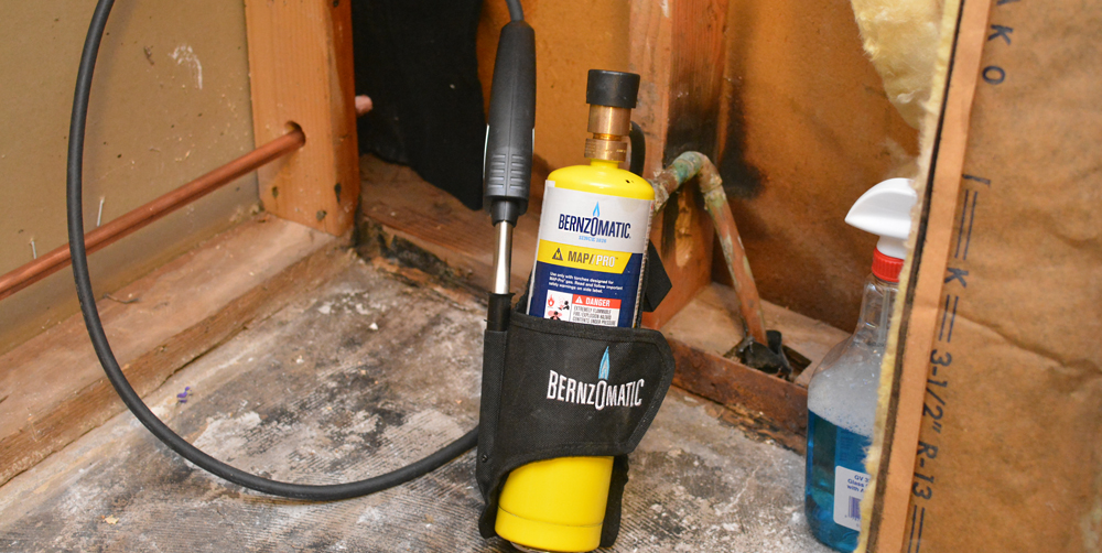 The Bernzomatic BZ8250HT Hose Torch for Accessibility and Mobility