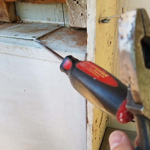 screwdriver-linesmann-pliers-chisel.jpg