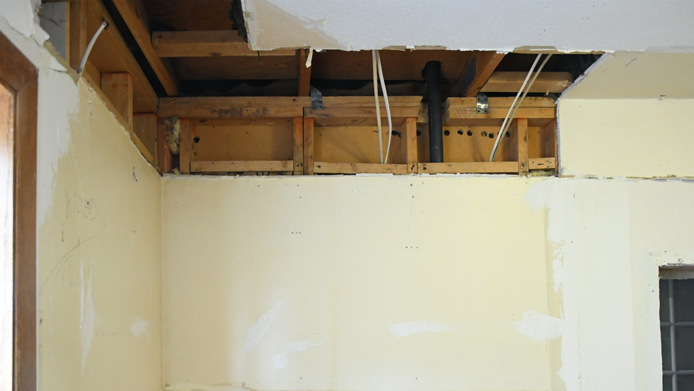 soffit_hole_to-Attic.jpg