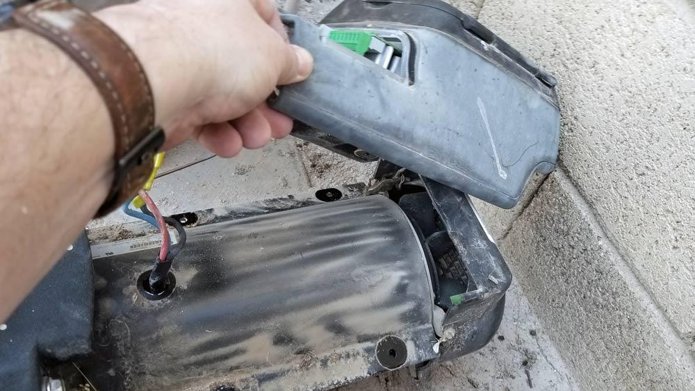 remove-motor-controller-from-motor.jpg