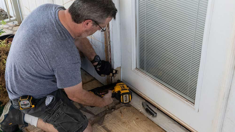 Tape : DEWALT 25FT Tape Measure   Nailer : DEWALT 20V 16 GaugeFinish Nailer   Blade :  Stanley Quick Change Utility Knife