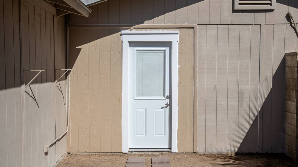 outdoor-craftsman-door-trim.jpg