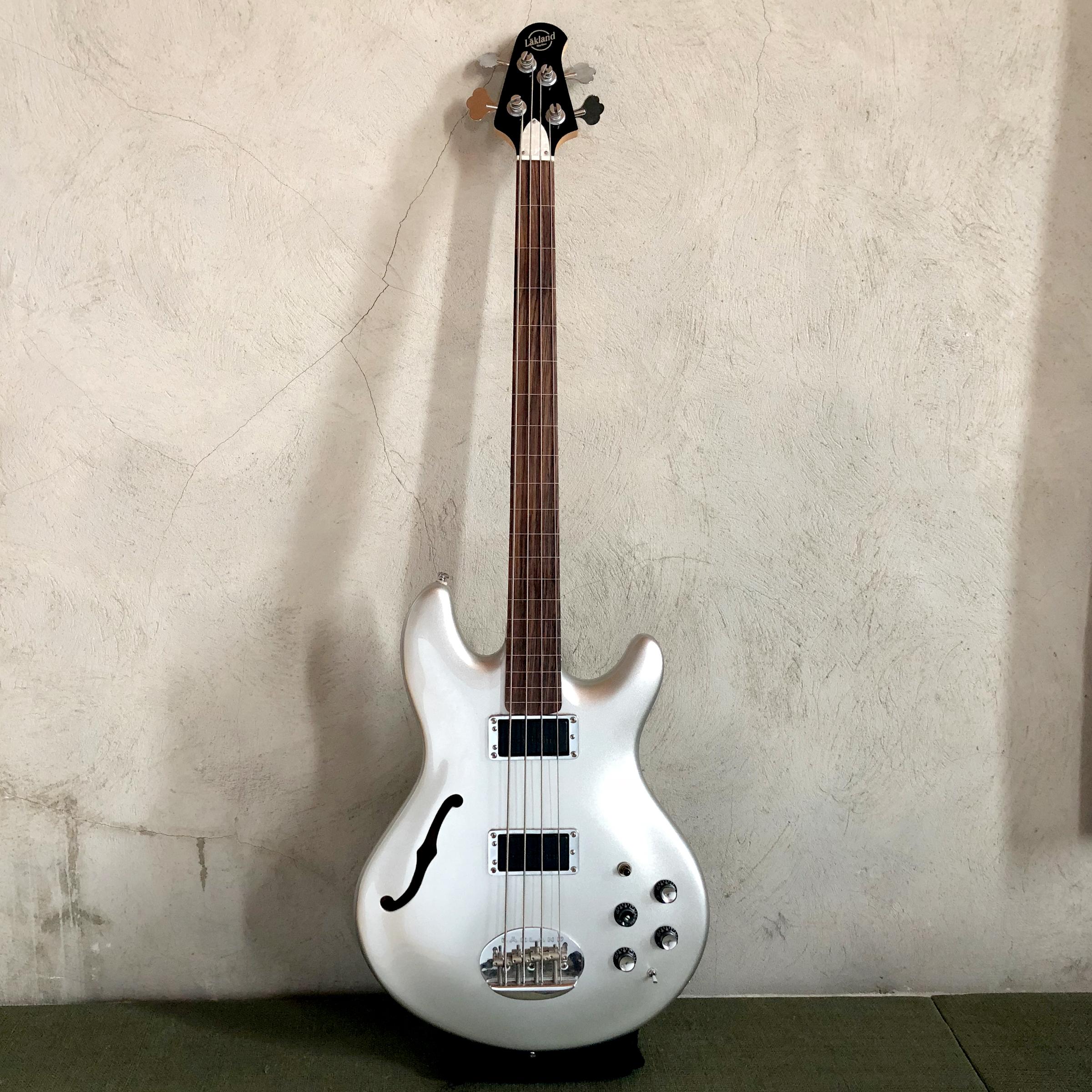 Lakland Fretless Bass