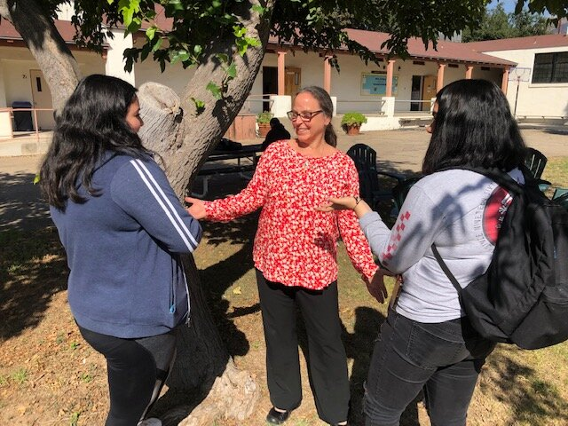 Becky Beckett, Principal of Chaparral High School, speaking with students in the School Courtyard. OEF is proud to honor Becky as our 2019 Education Hero of the Year!