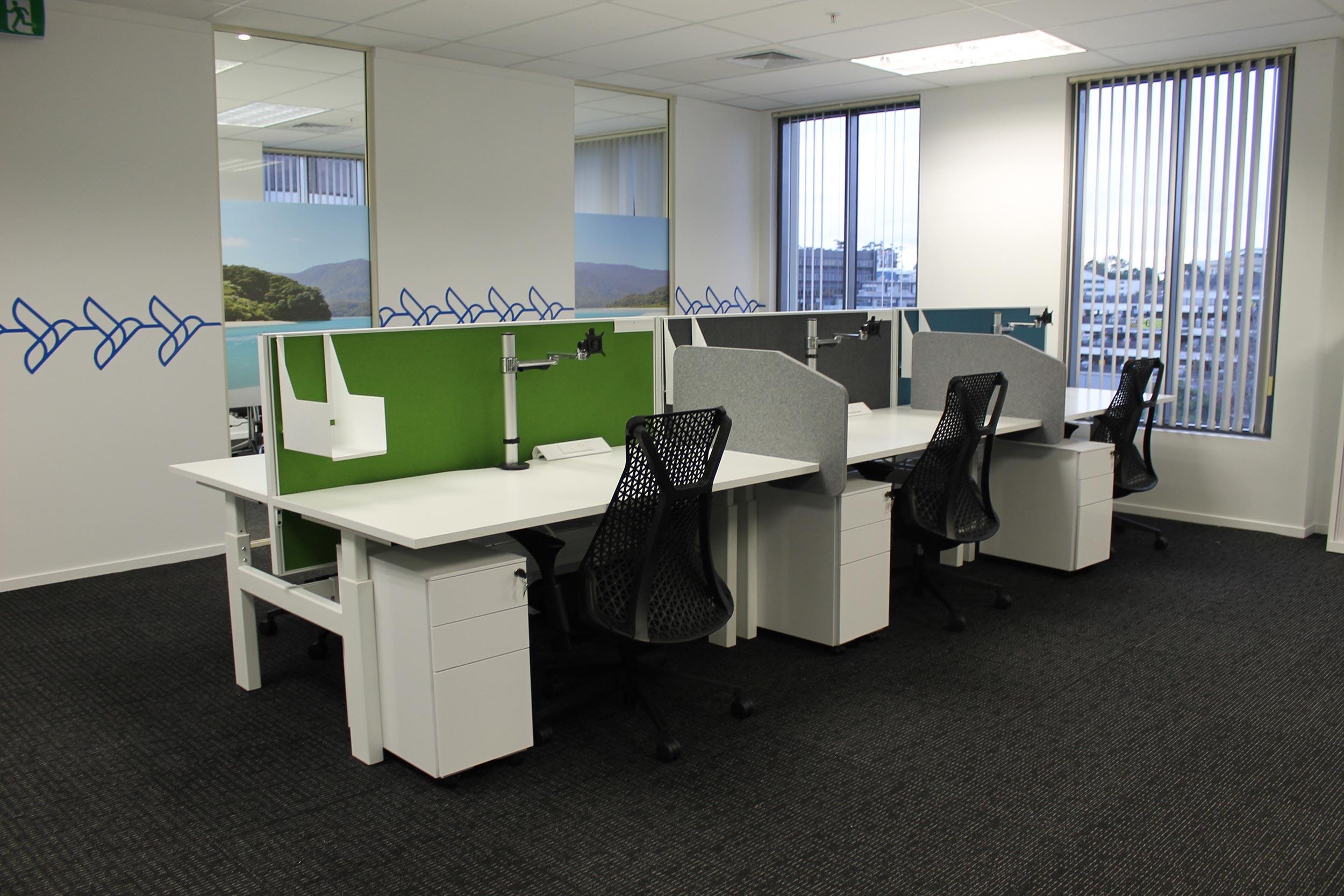 Screen & Desk