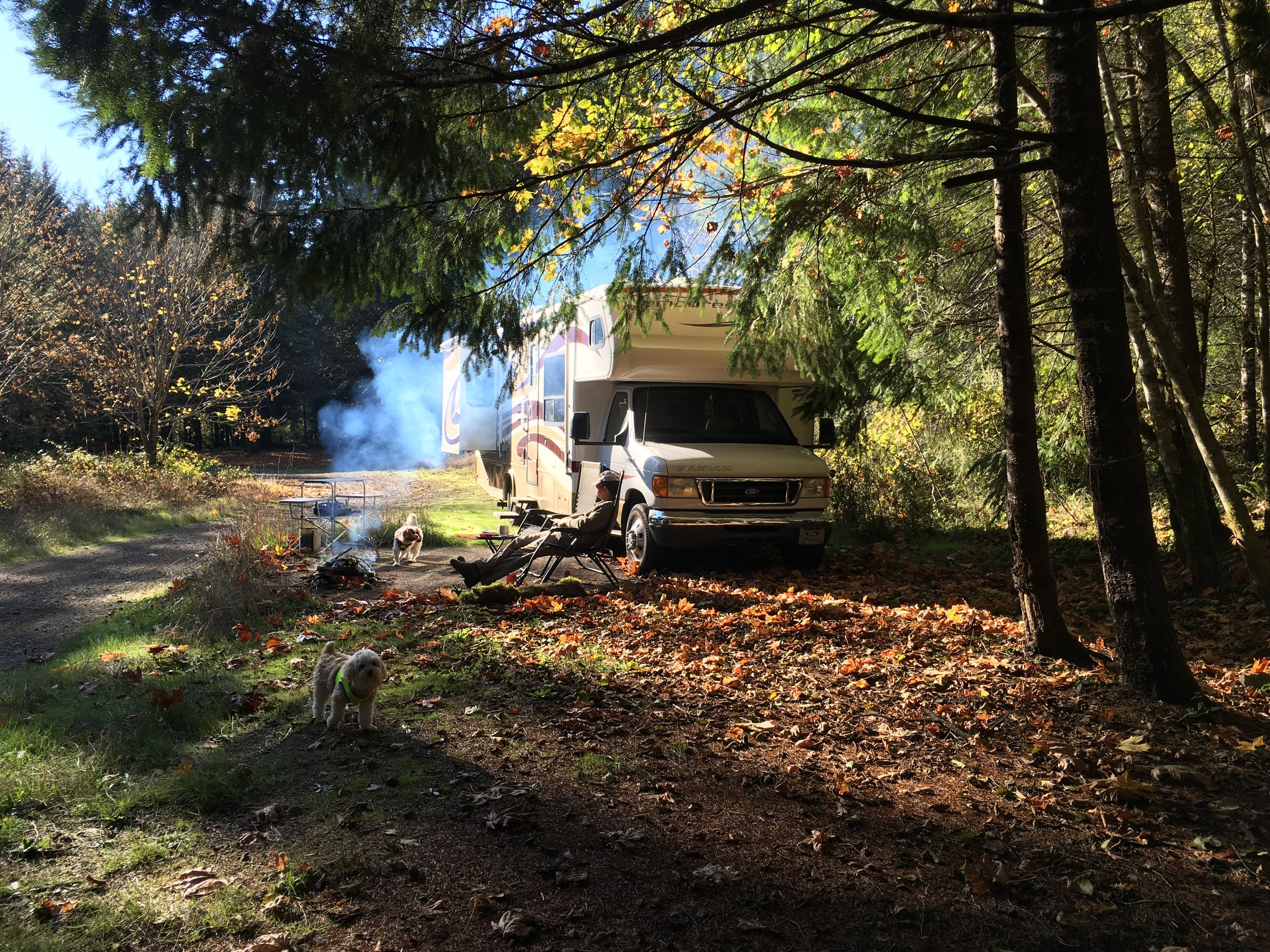 Boondocking in our 31' Motorhome at Hult Pond in Alsea, Oregon. This is an hour NW of Eugene and an hour SW of Corvallis. Great spot!
