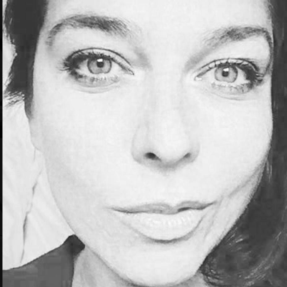 Chiara Merico - Digital Retoucher, Colorist, Production   @chiara s eye