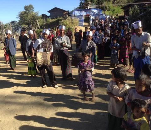 The villagers at Luong Gno village greeting their guests