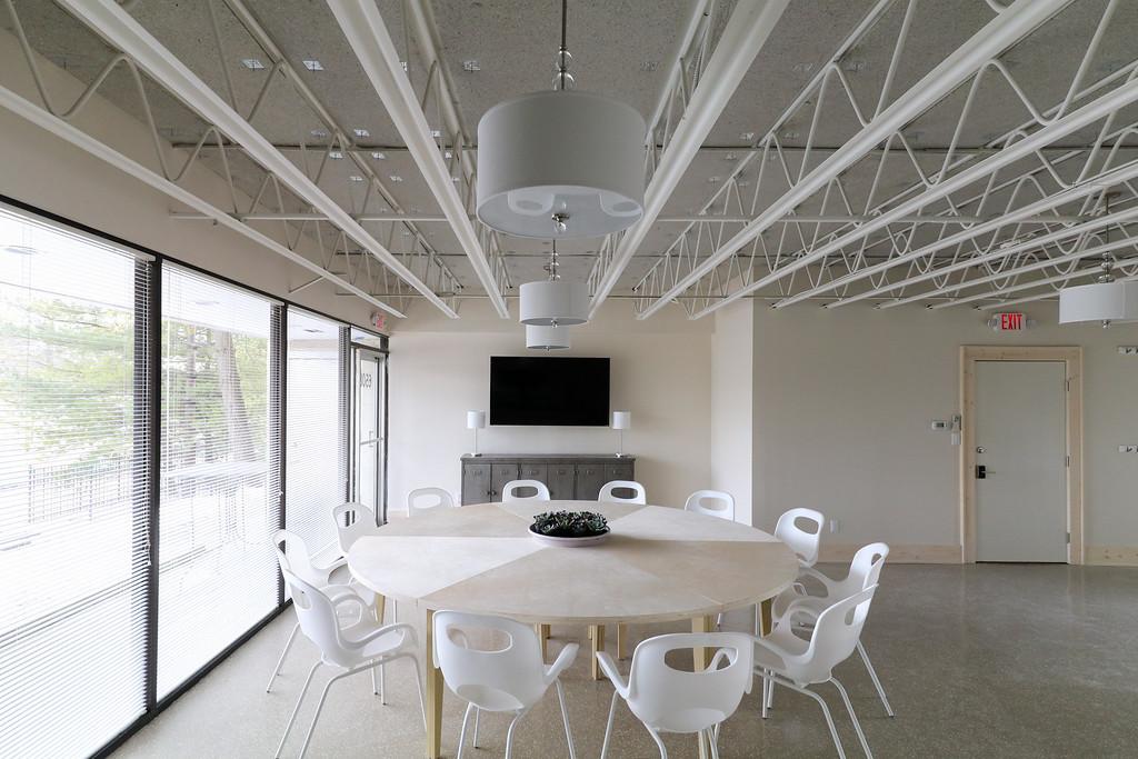 Meeting space #10.jpg
