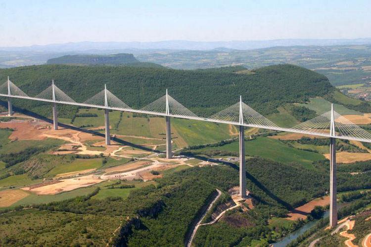 Viaduc de Millau (2,460 meters) crosses the Tarn Valley 24 km north of Roquefort