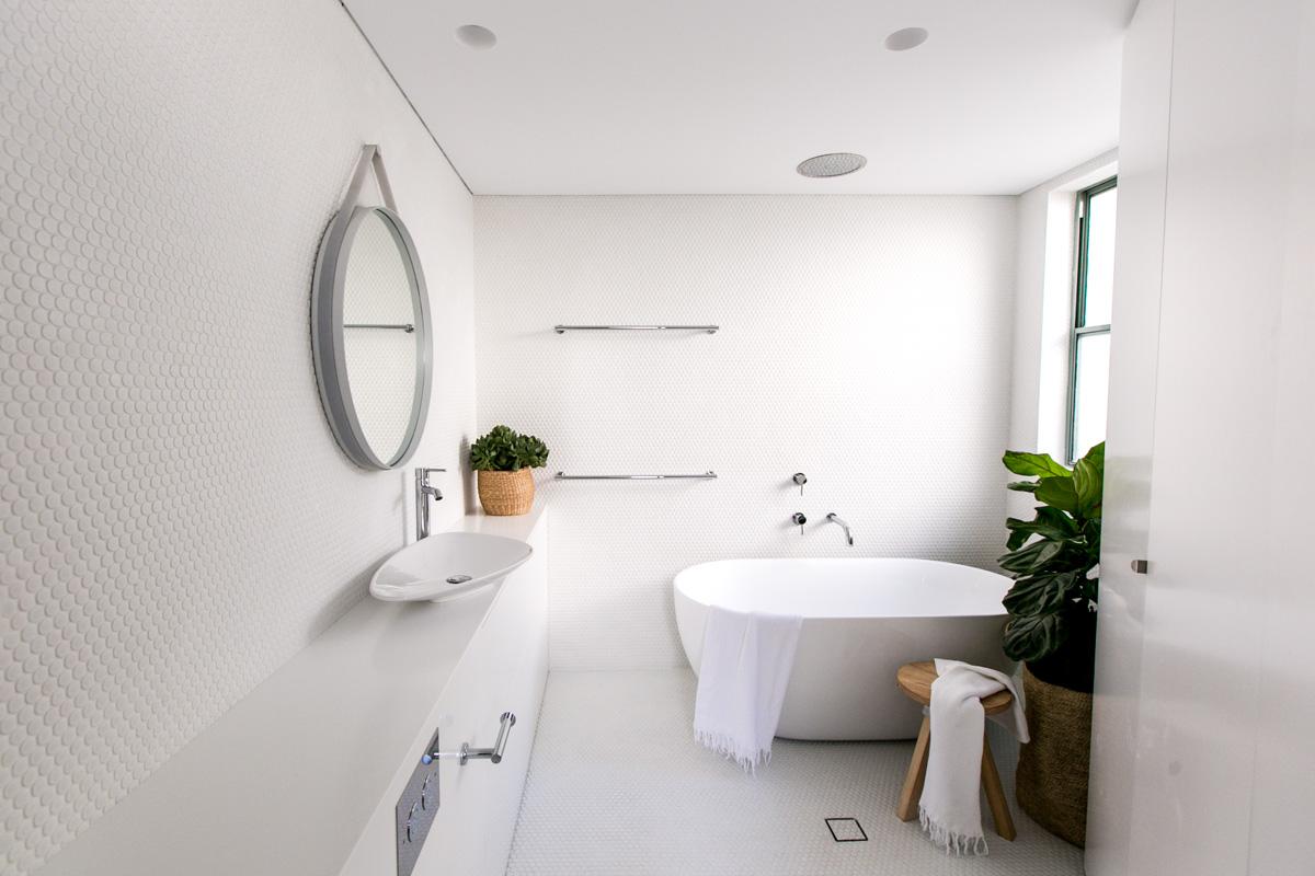 Bathroom 1 CM Studio Christopher Glanville Megan Burns.jpg