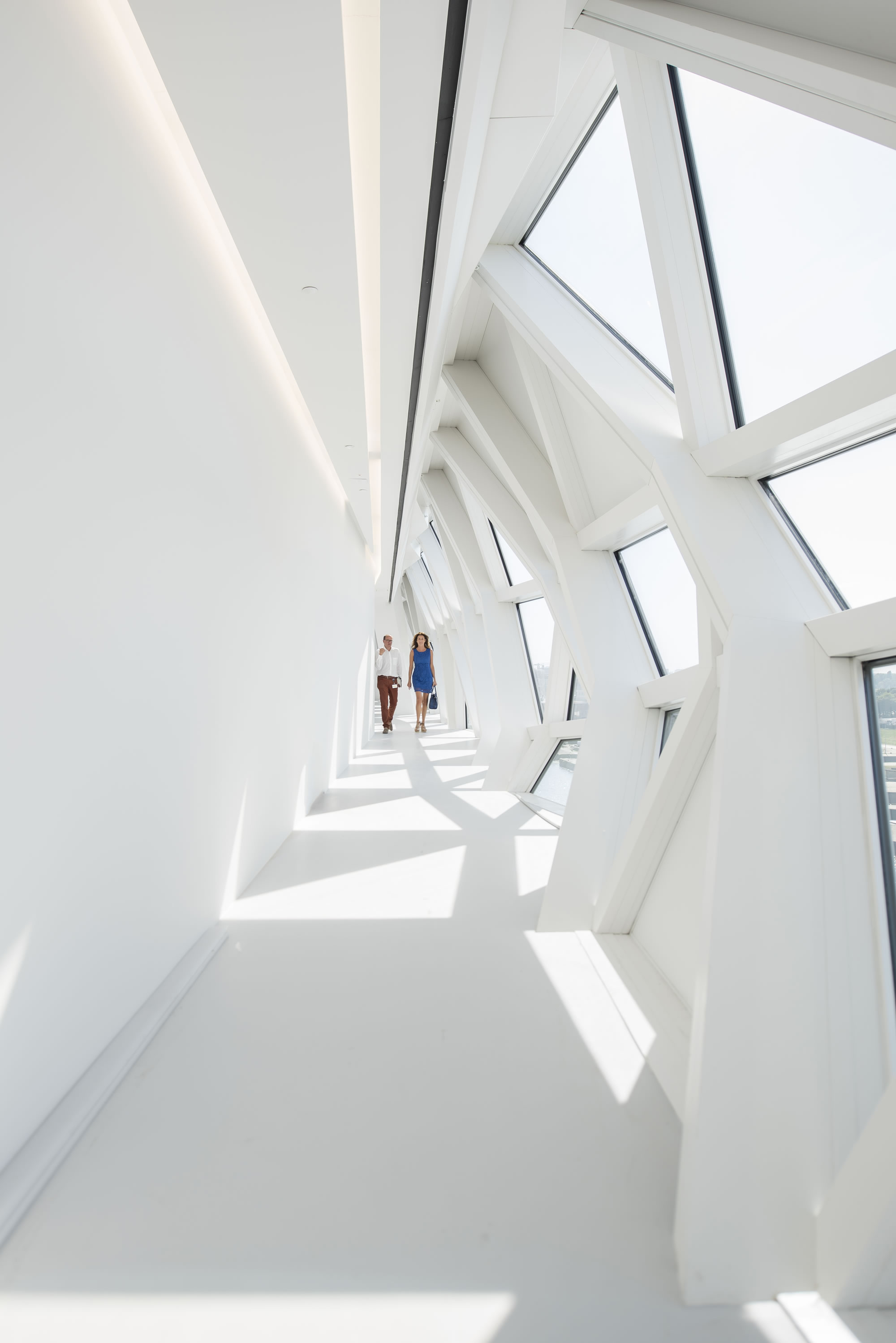 ZHA_Port House Antwerp_Corridor ∏ Tim Fisher 2016.jpg