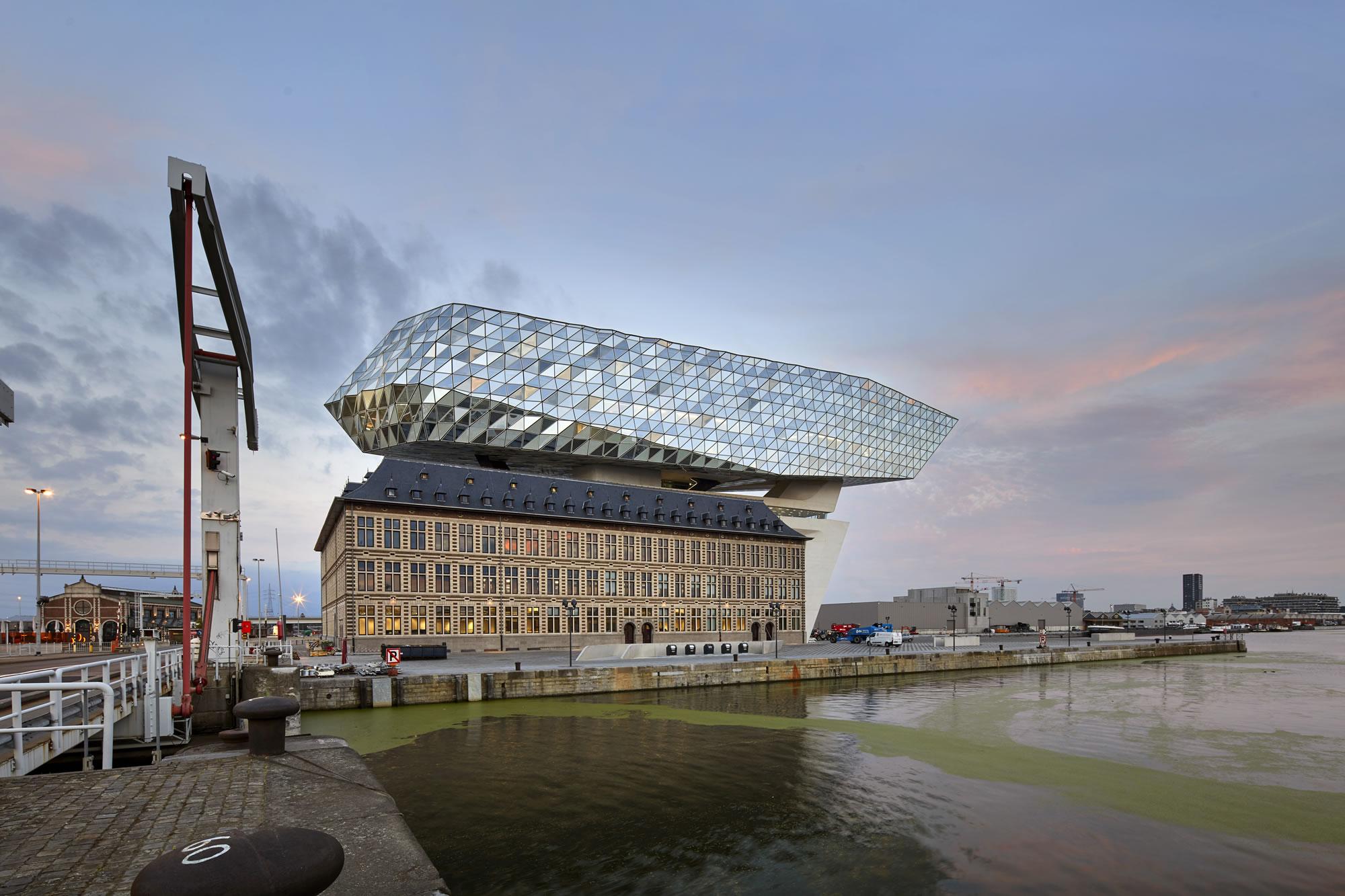 ZHA_Port House_Antwerp_∏Hufton+Crow_003.jpg