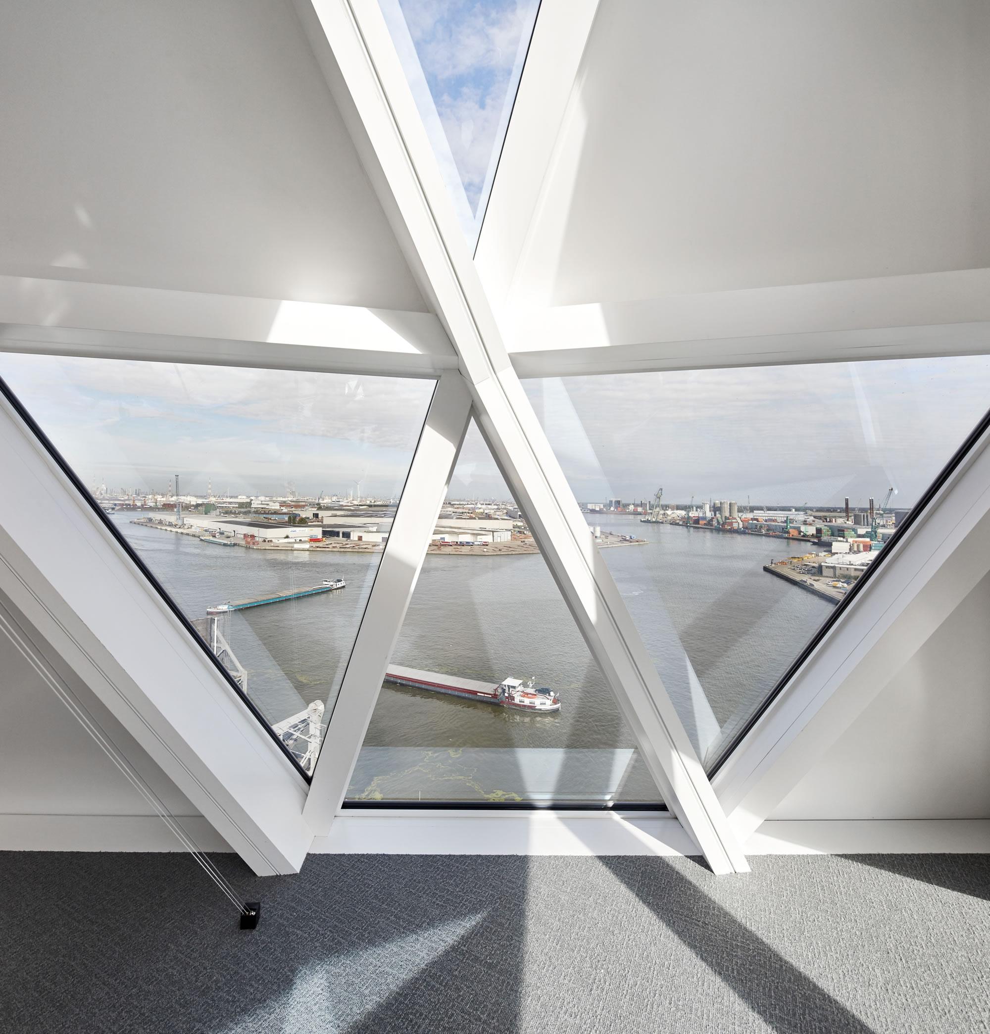 ZHA_Port House_Antwerp_∏Hufton+Crow_012.jpg