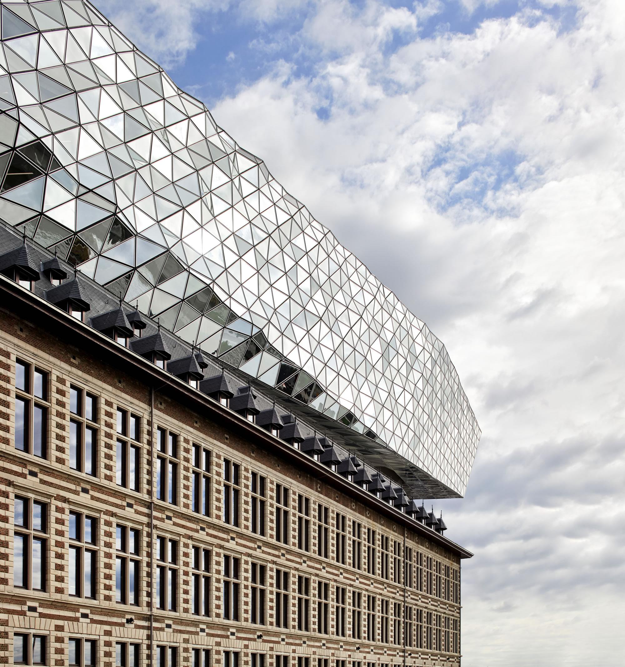 ZHA_Port House_Antwerp_∏Hufton+Crow_001.jpg
