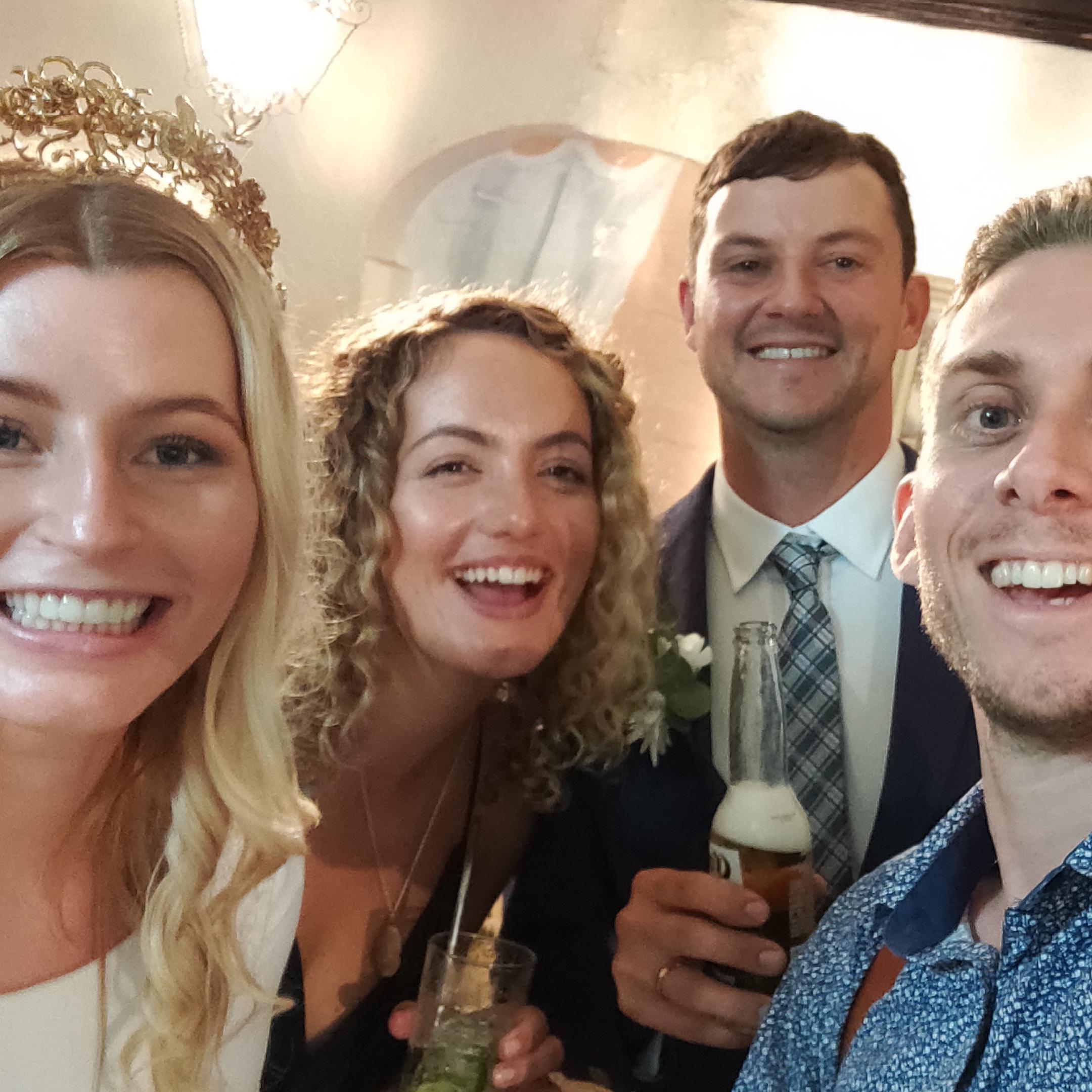 The-raw-photographer-cairns-wedding-photography-bridalparty-selfie-8.jpg