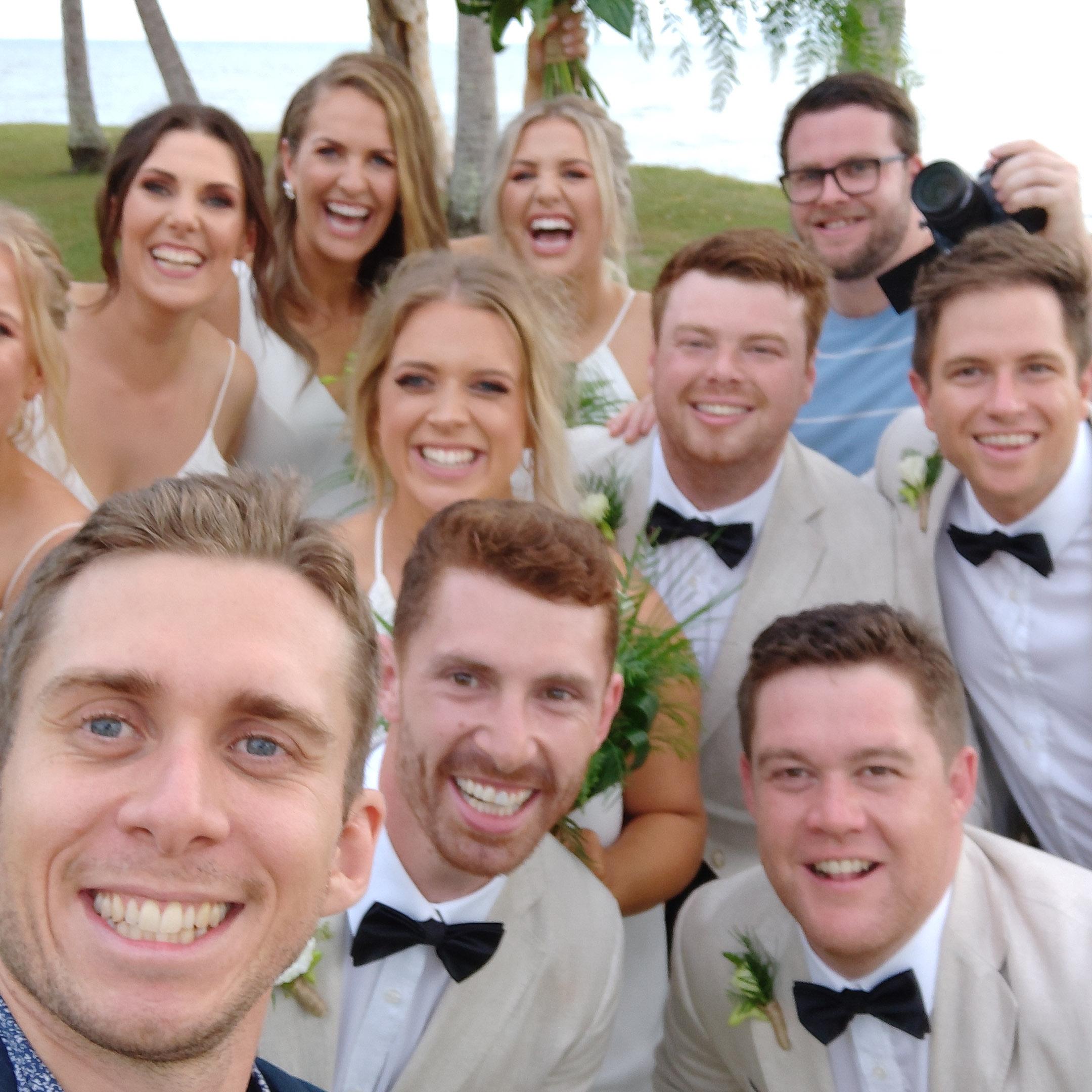 The-raw-photographer-cairns-wedding-photography-bridalparty-selfie-11.jpg